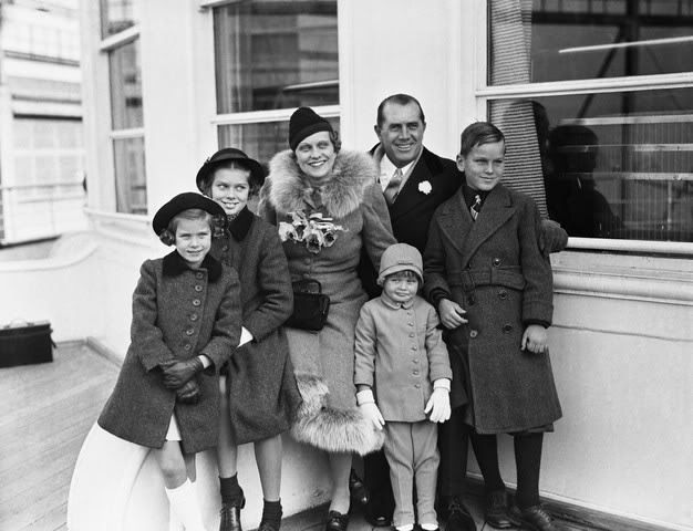 Grace and her parents and siblings