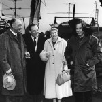 Marlon with his father left mother and the director on the set of On The Waterfront