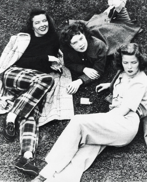 Katharine left with her sisters Marion and Peggy