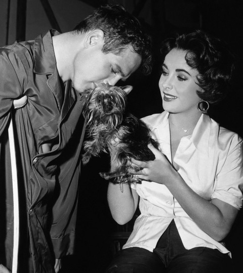 Paul and Elizabeth taylor on the set of Cat On A Hot Tin Roof