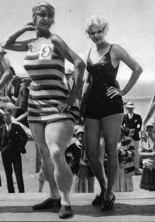 Jean Harlow standing next to Charley Chase in one of her first films