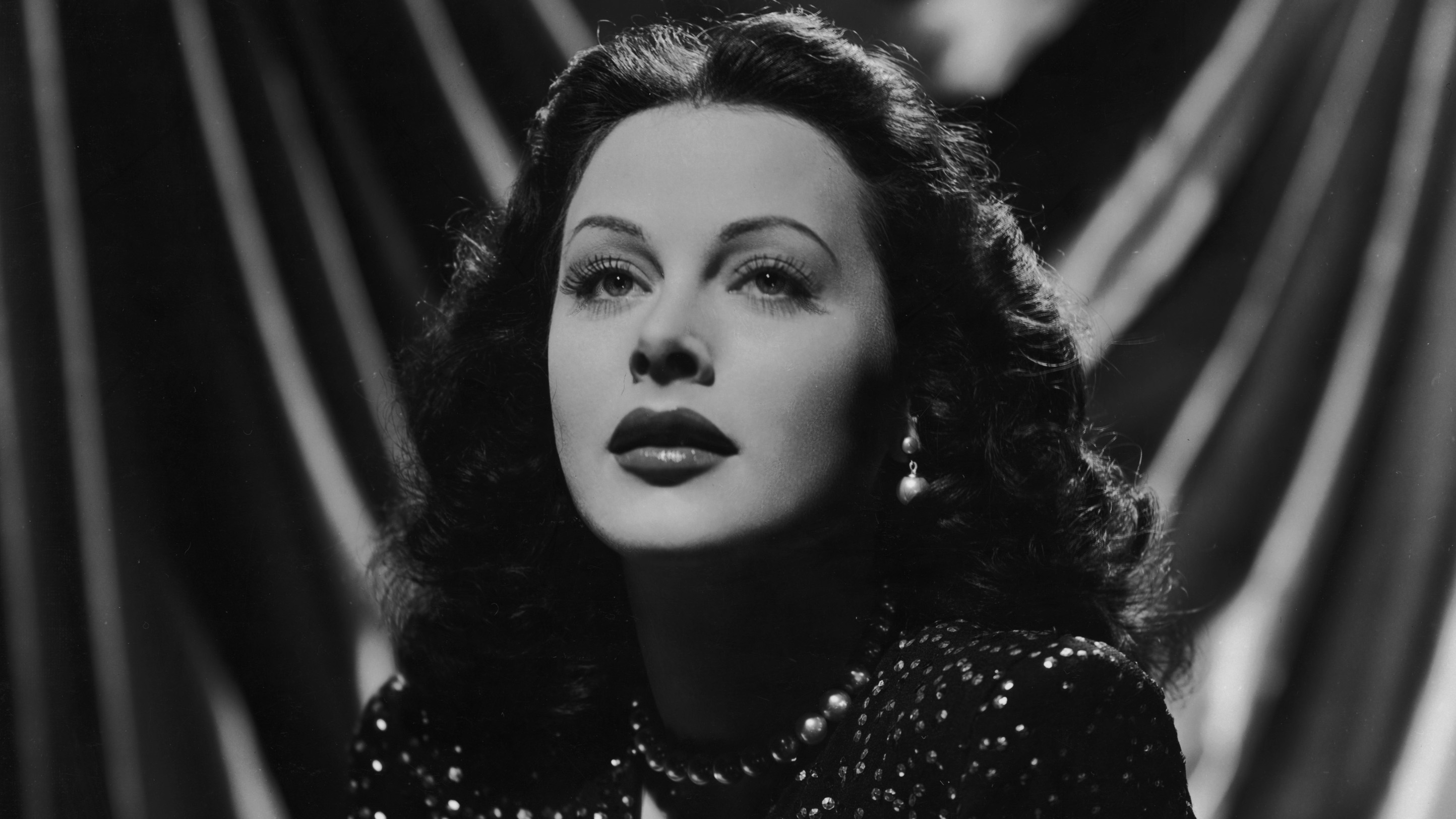 sultry hedy