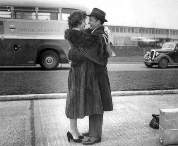 Frank sinatra and ava gardner kissing