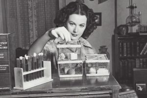 Hedy Lamarr inventing