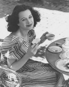 Hedy on the set of Algiers in 1938
