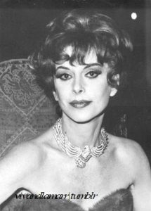 Hedy on the set of Picture Mommy Dead in 1966