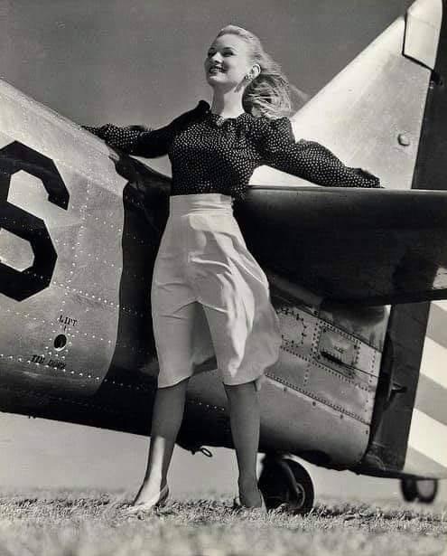 Veronica Lake plane